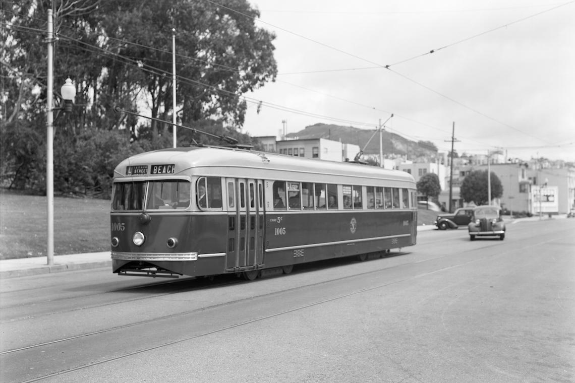 streetcar on taraval street