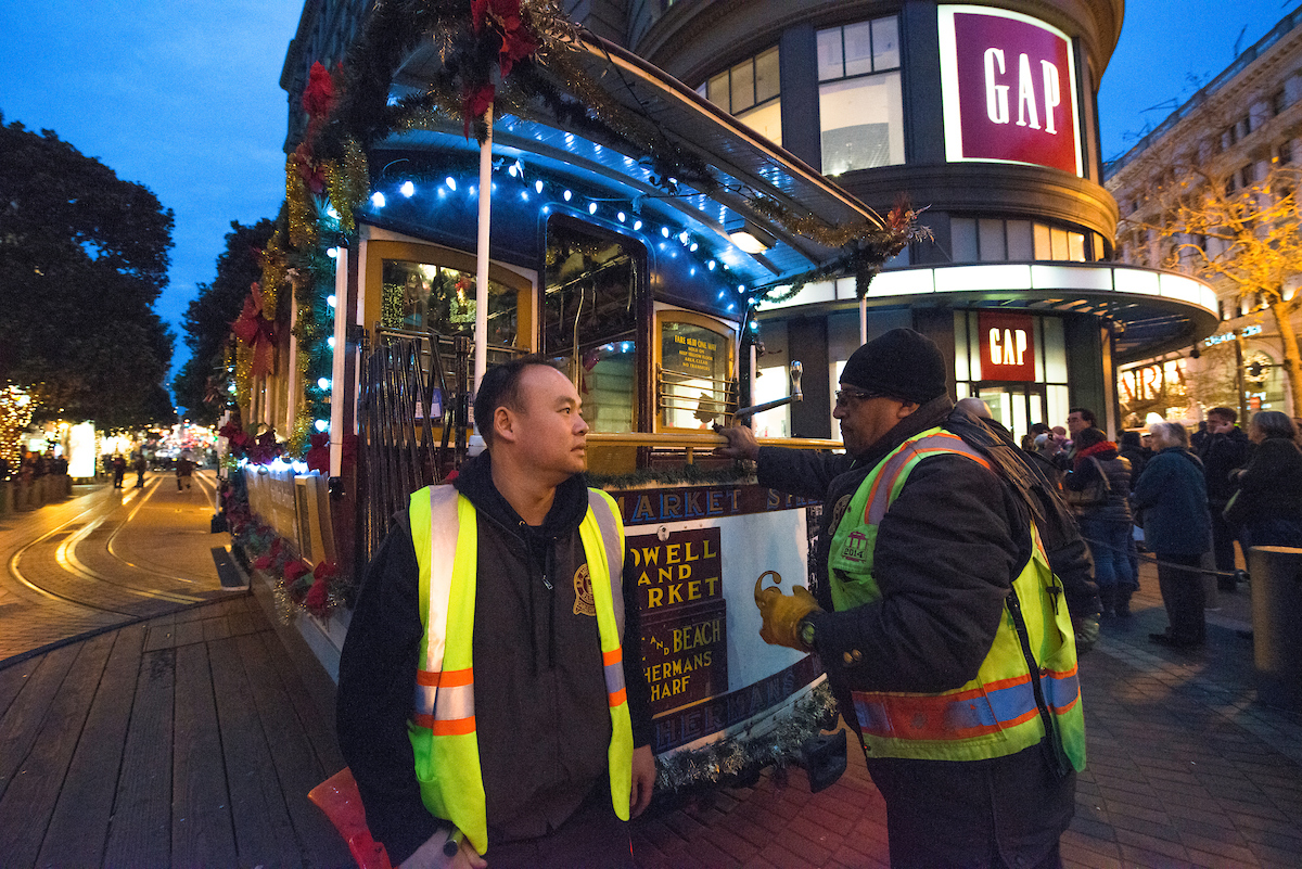 Holiday Cable Car lights