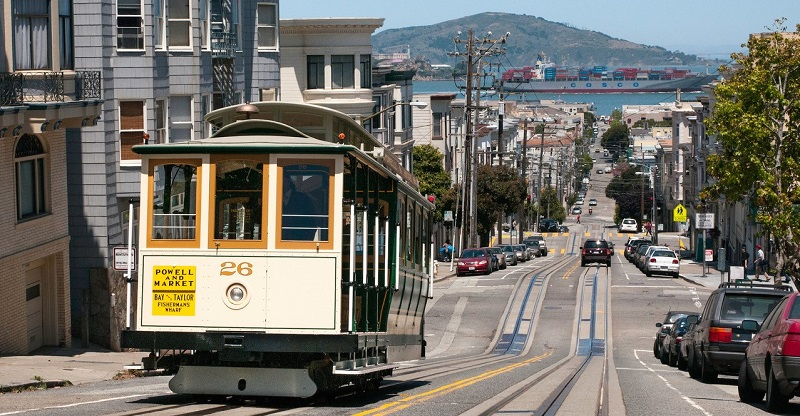 Cable Car traveling up the hill