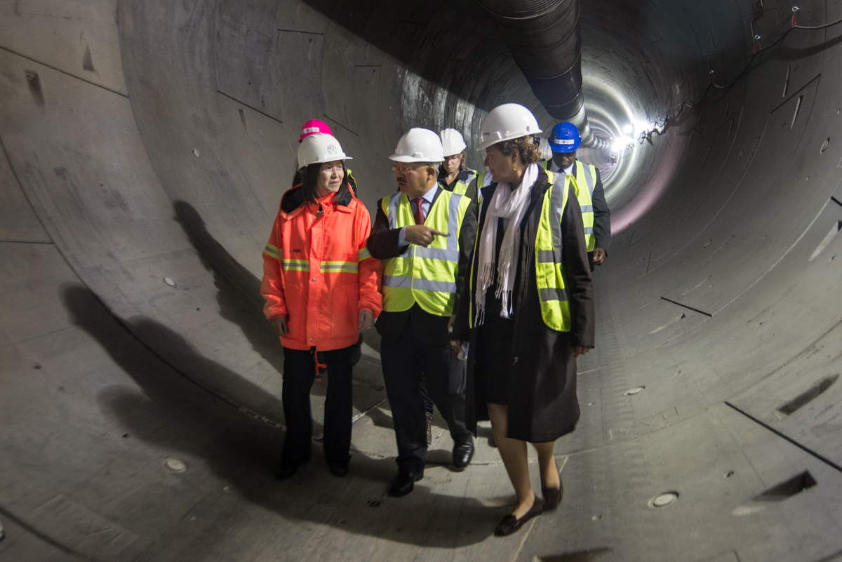 Mayor Lee and Supervisor Christensen discuss the progress of the Central Subway with project staff