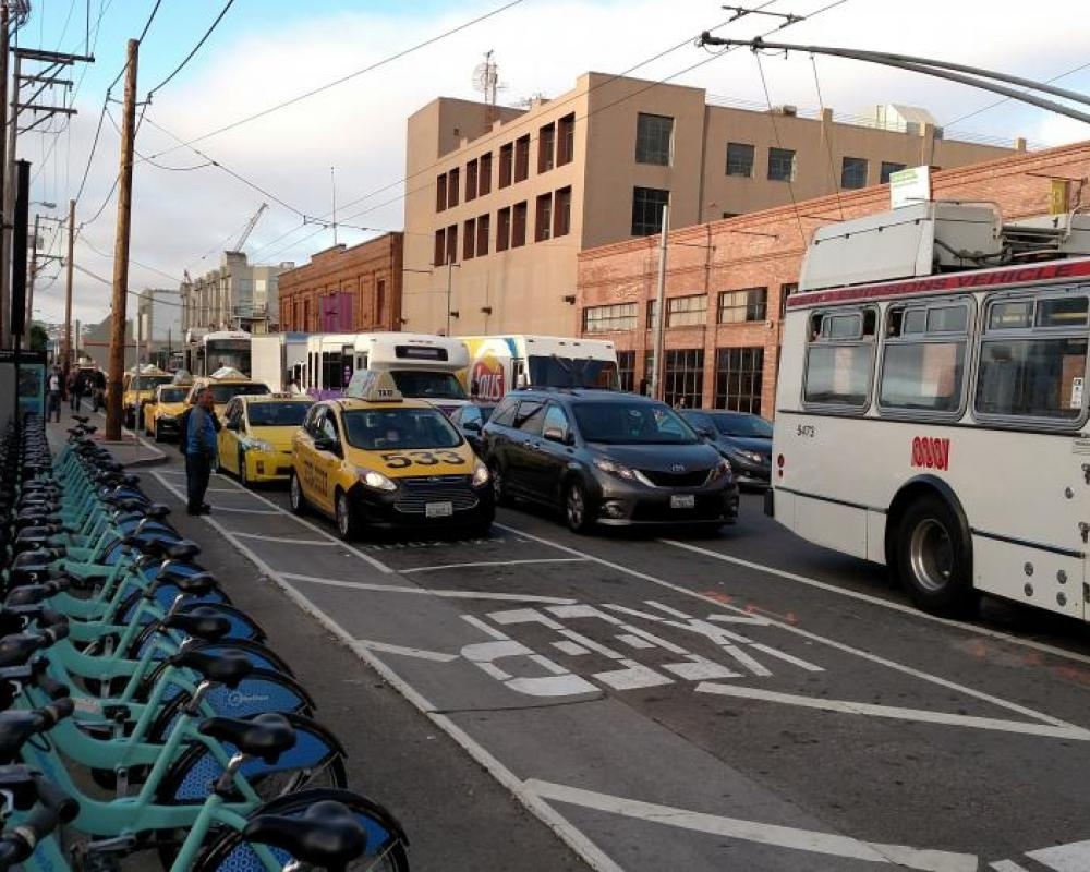 Photo of Townsend Street congestion - November 2016 with many vehicles stopped in the bike lane