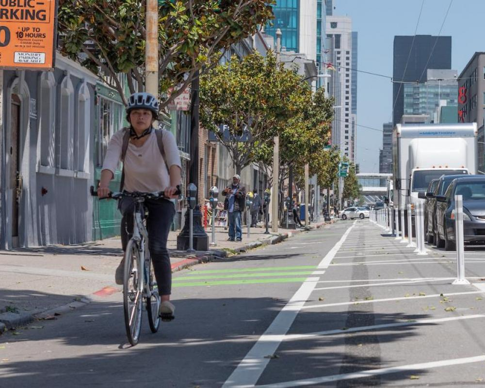 Protected bike lane on Howard near 8th St.(2019)