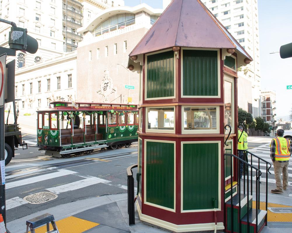 cable car signal tower at Powell and California Streets