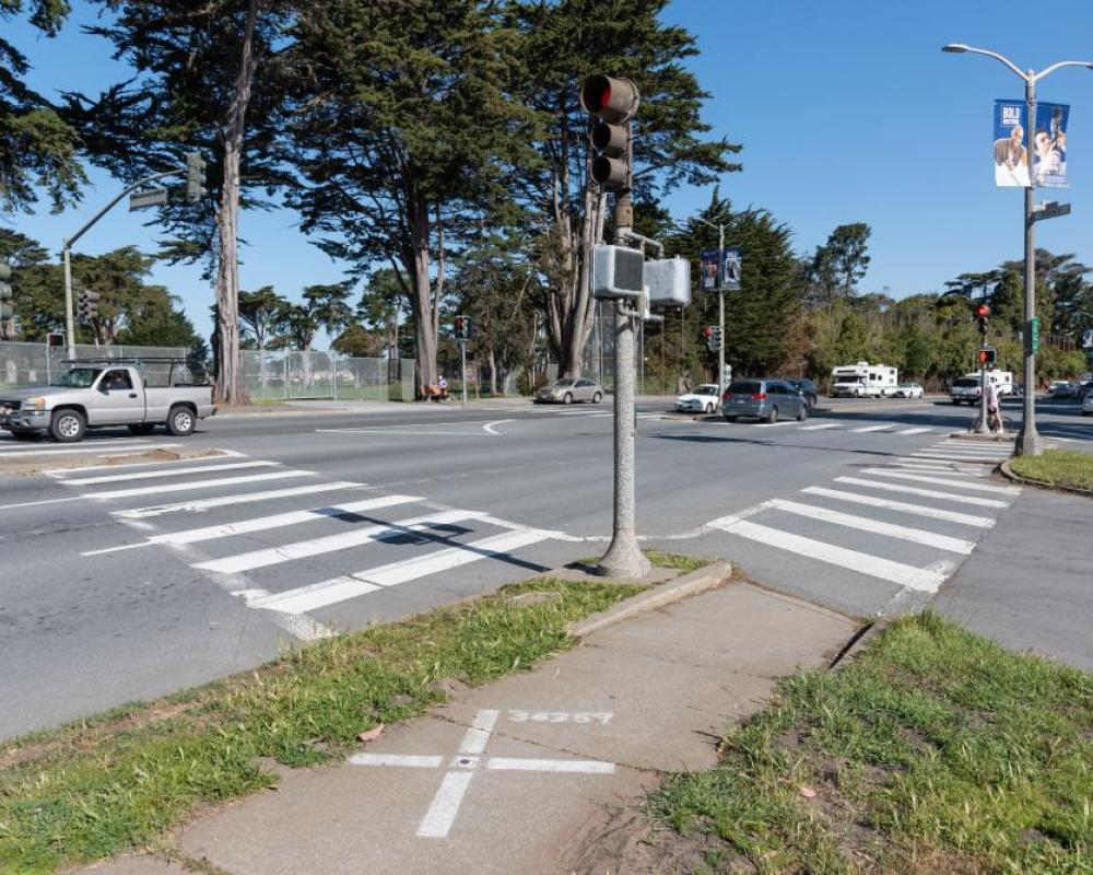 Lake Merced Boulevard and Font Boulevard (existing conditions)