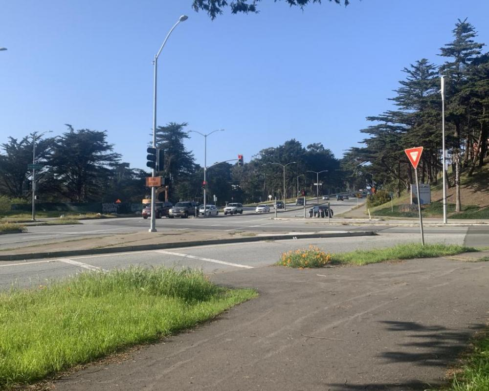 Lake Merced Boulevard and Brotherhood Way (existing conditions)