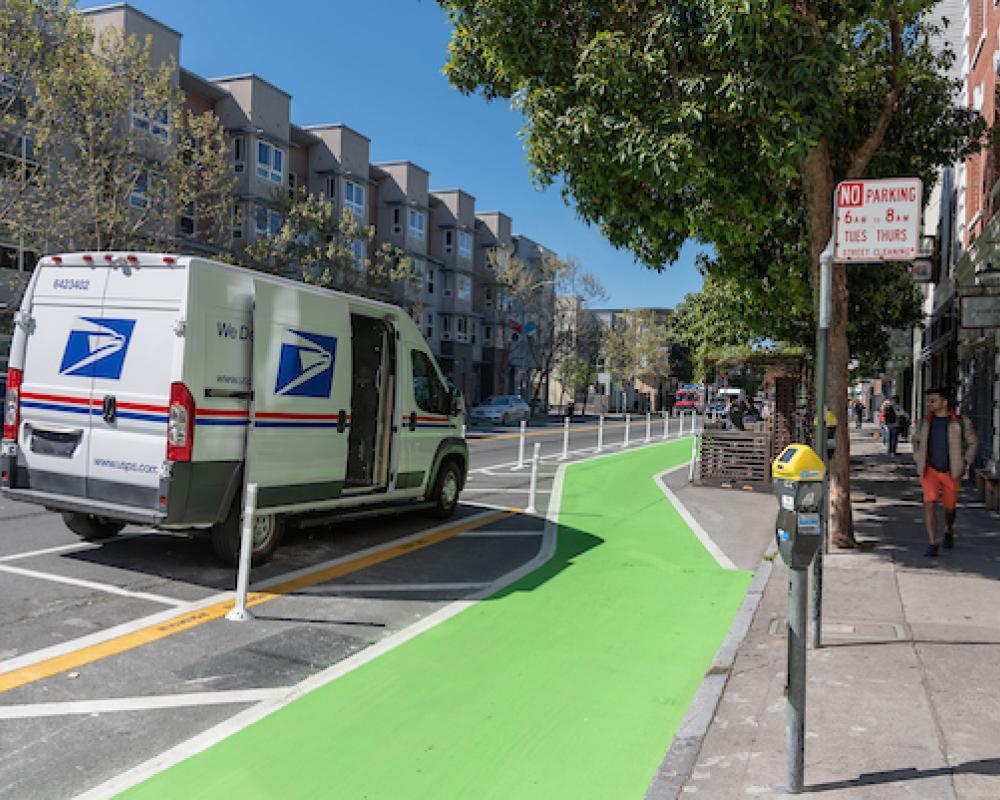 Photo of yellow zone next to bike lane