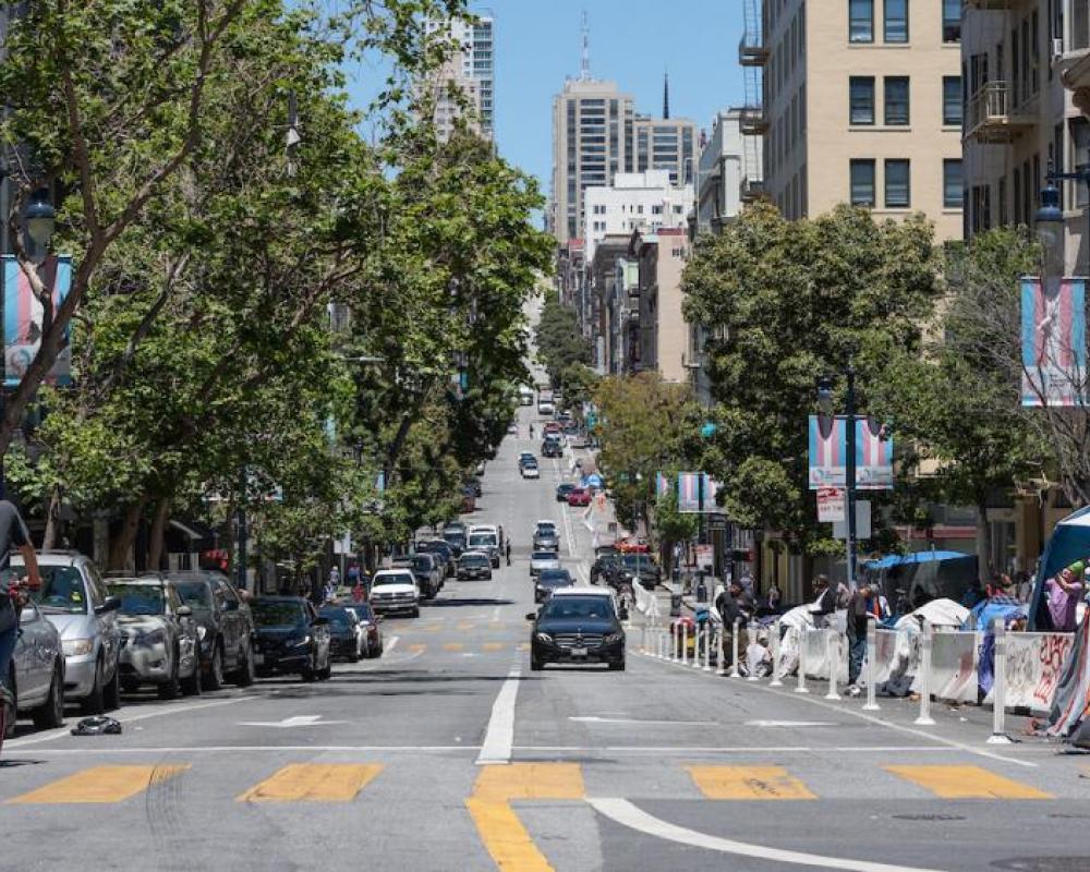 Jones Street at Golden Gate northbound
