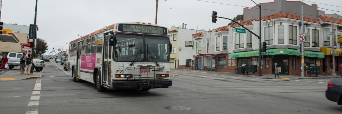28 bus on Taraval Street and 19th Avenue