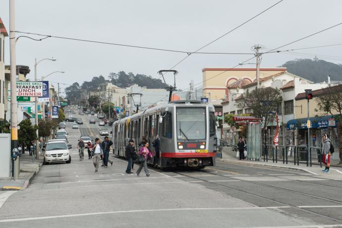 L Taraval on Taraval and 22nd Ave