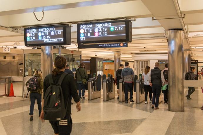 Testing of new subway digital signs underway