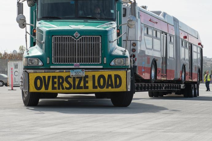 Image of an oversize load truck