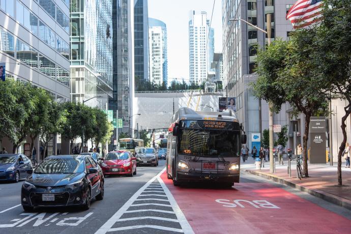 5R Fulton Rapid bus in red transit lane downtown