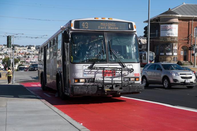 Photo of the 43 Masonic bus