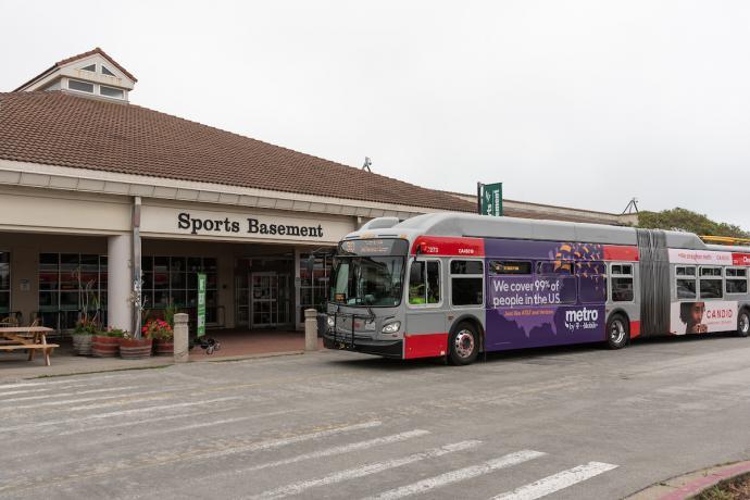 30 Stockton stopping at Sport Basement terminal