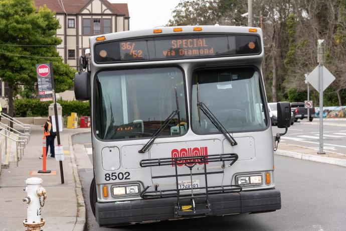 Photo of the 36/52 bus