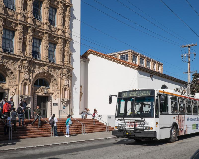 muni passing a school