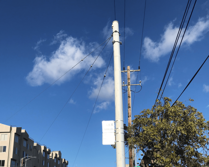 Image of a SFMTA pole on Townsend Street