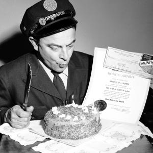 Muni operator with cake