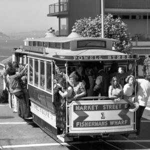 cable car 1 on hyde street
