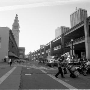 The closed Embarcadero Skyway in the days following the Loma Prieta Earthquake. (SFMTA Photo Archive, October 30, 1989)