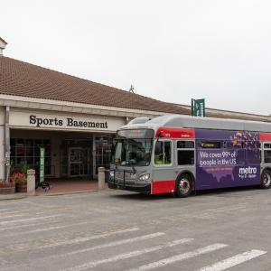 30 Stockton stopping at Sport Basement terminal