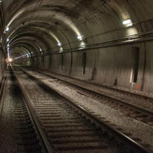 A picture of the subway tunnel.