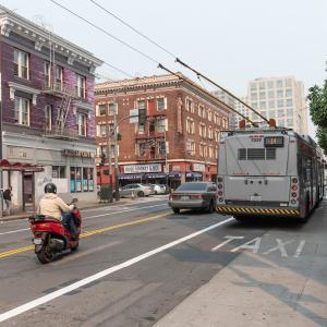 Photo of the 14 Muni bus on Mission Street in SoMa