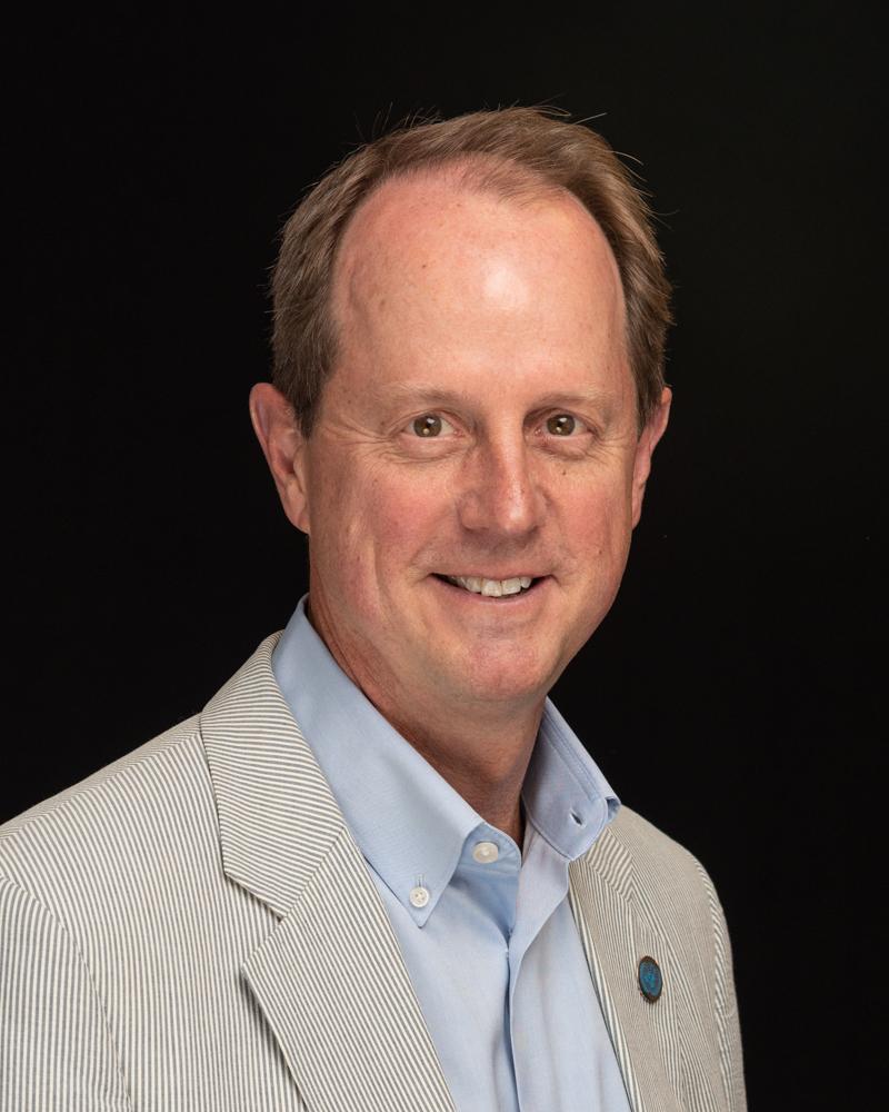 Portrait of Steve Heminger